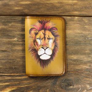 Кожаная обложка для паспорта. Лев