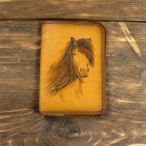 Кожаная обложка для паспорта. Конь