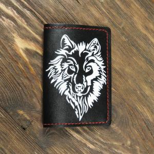 Кожаная обложка для паспорта. Волк