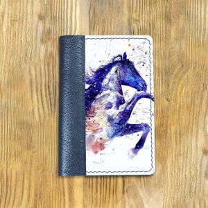Кожаная обложка для паспорта. Конь2