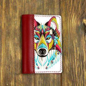 Кожаная обложка для паспорта. Волчица